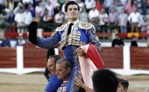 Jose Garrido Caceres hombros 511