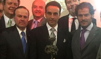 NOTICIAS Recogió el prestigioso Premio Minotauro
