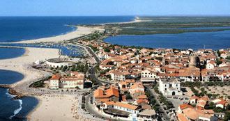 CARTELES Saintes Marie de la Mer crece un año más