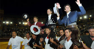 HUELVA Hermoso, tres; Ventura y Romero, dos