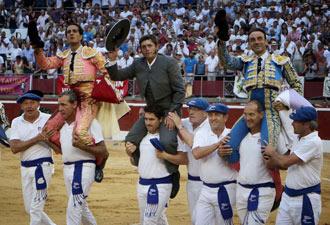 MONT DE MARSAN Ponce y Fandiño en hombros