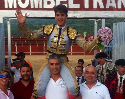 Alvaro Garcia hombros Mombeltrán 511