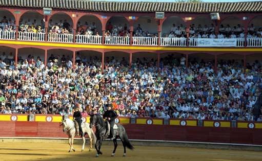 CARTELES Dos corridas de toros y rejones en agosto