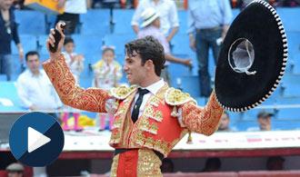 PLAZA MÉXICO Oreja y vuelta al ruedo en su debut