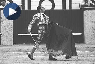MÁLAGA Fandi, oreja; López Simón, vuelta