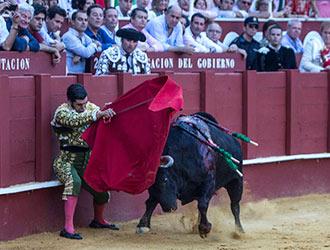 AQUELLA TARDE...Morante, a repetir 'el capote'