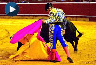 HUELVA Así recibió Morante al quinto
