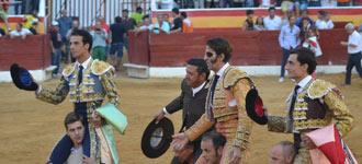 ROA DE DUERO Padilla,Morenito y Ureña, en hombros