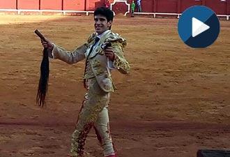 ARANJUEZ López Simón se exhibe, éxito con Galán