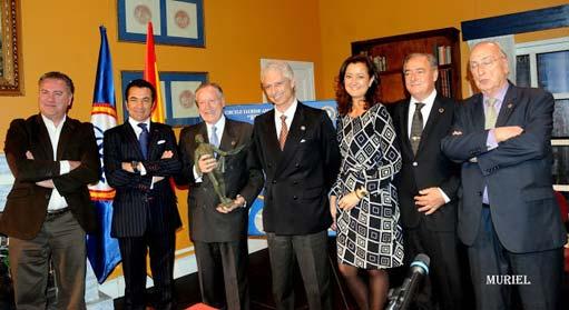alvarez-manzano-premio-511