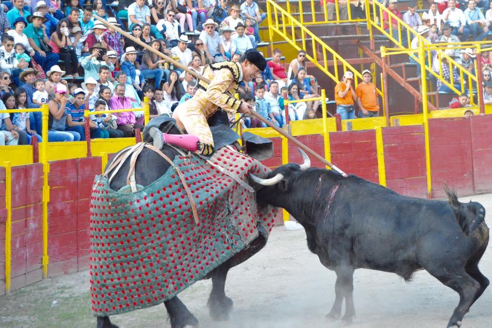 guerrita chico pica un toro