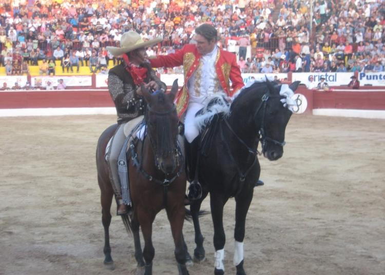 MÉRIDA (México) Lleno en el festejo ecuestre