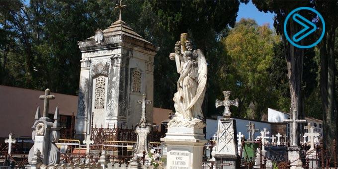 REPORTAJE En el Cementario de La Salud de Córdoba