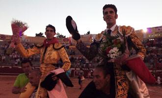 ARÉVALO Ventura, ovación en el primero