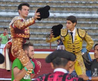 CUELLAR Vanegas y Maldonado, dos orejas