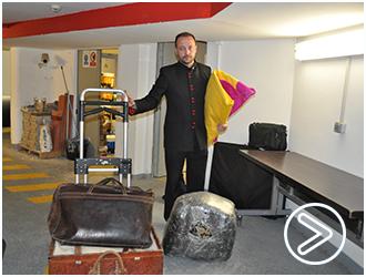 REPORTAJE Rafael García, mozo de equipajes