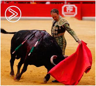 GRANADA Pepe Luis, en hombros sin trofeos