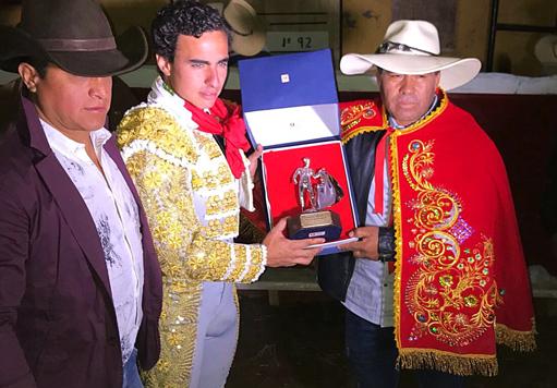 VIRACO, PERÚ Se alzó con el premio al triunfador