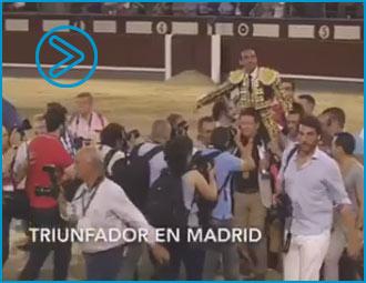 VIDEO Las figuras llegan a La Santamaría