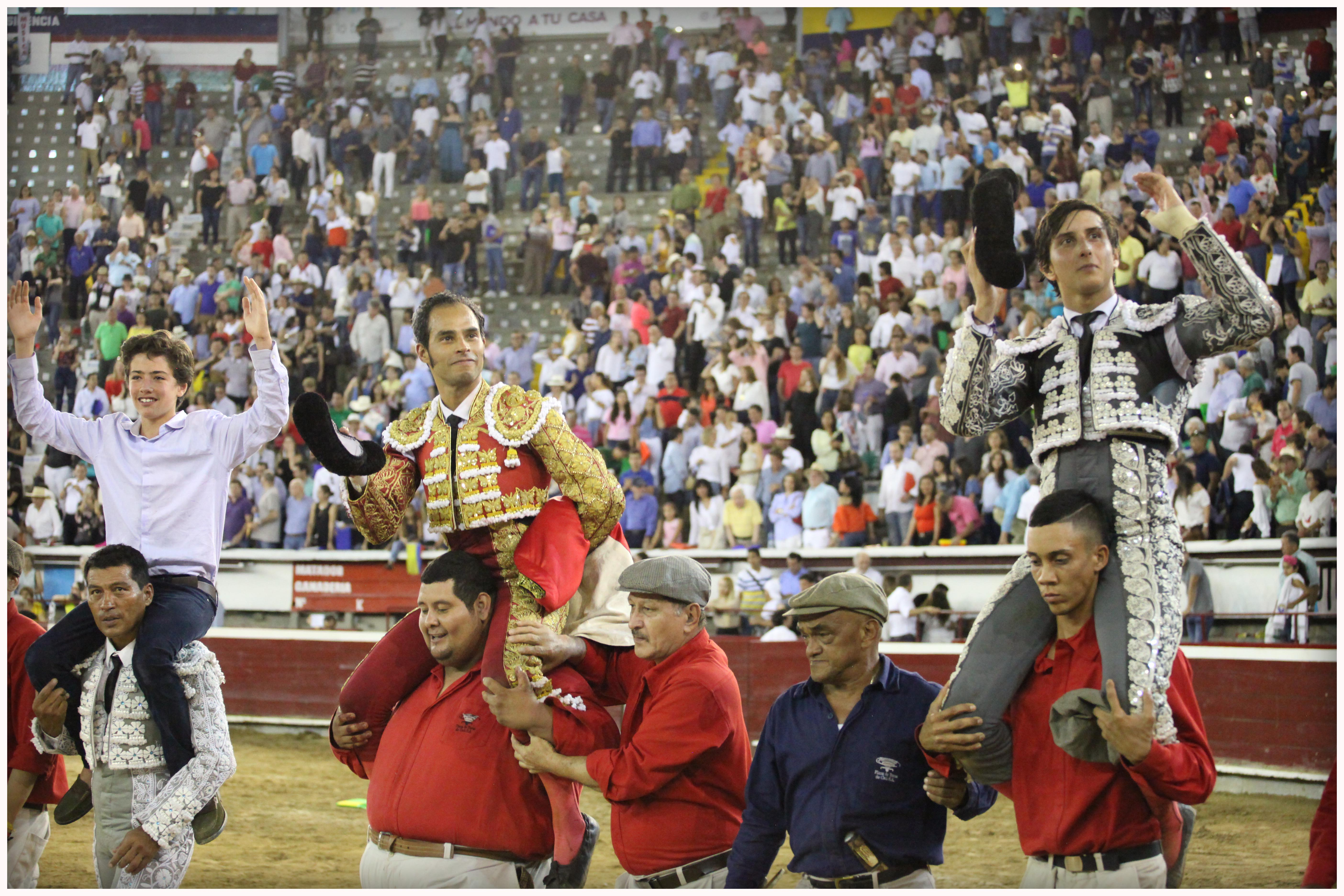CALI Castella, cuatro orejas. Bolivar y Roca Rey, dos