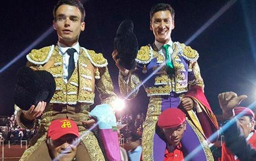 LENGUAZAQUE En hombros con Castrillón