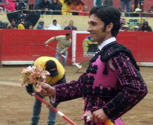 VENEZUELA Cortó una oreja a cada toro