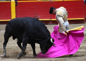 MEDELLIN Juan De Castilla, oreja y tres avisos