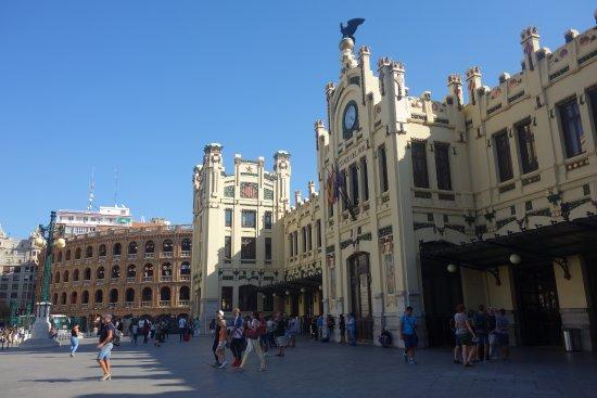 Estacion tren Valencia y plaza de toros