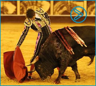 MÁLAGA Buen toreo de Ferrera, Castella y Perera
