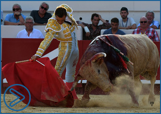 BEZIERS Notable corrida de Cuvillo