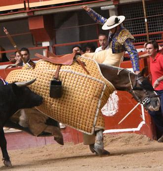 HERIDOS José Quinta cae del caballo