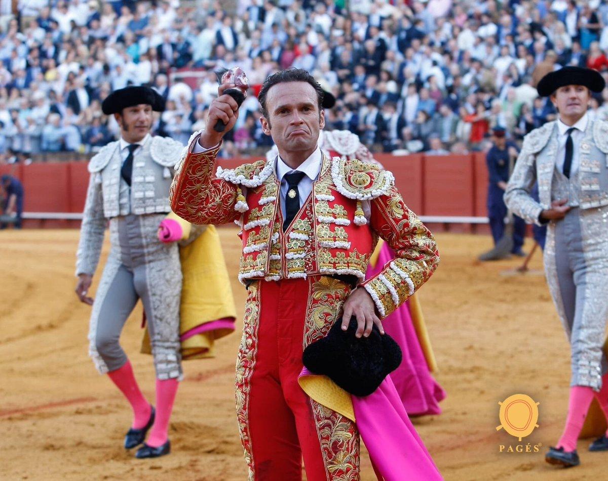 SEVILLA La corrida de Victorino mantuvo el interés