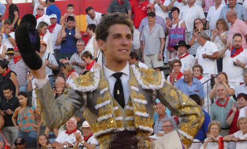 ALFARO Con toros de José Luis Iniesta