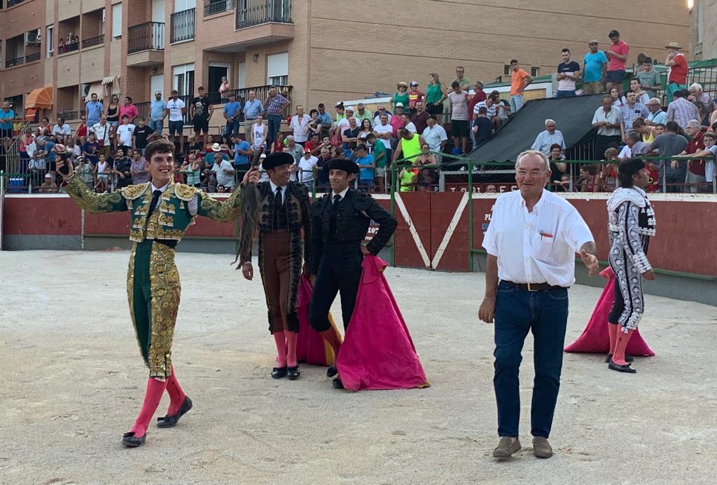 MÁS FESTEJOS Martín Burgos, oreja en Cebreros