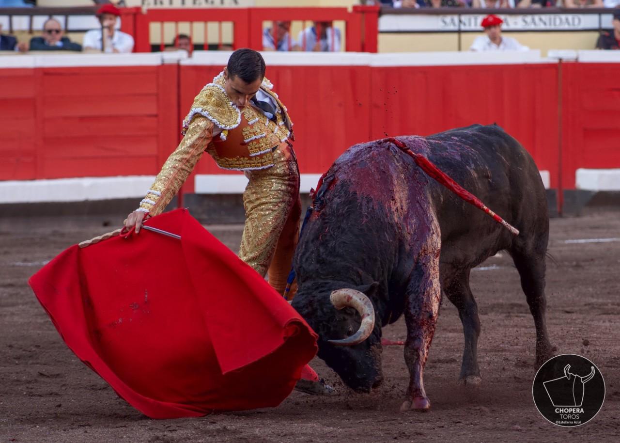 BILBAO Puerta Grande para Ureña, que cortó las DOS OREJAS al tercero