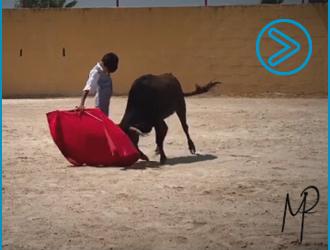 VÍDEO en un tentadero del precoz torero