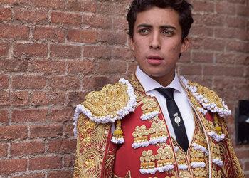 Leo Valadez triunfa en Nochistlan Mexico