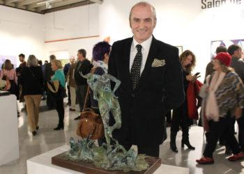El escultor taurino Puente Jerez recibe la Medalla Escultura Benlliure Gil