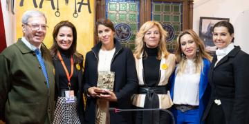Léa Vicens, 'Socia de Honor' de las amazonas