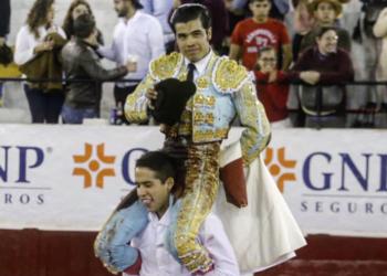 Tres orejas para un rotundo Diego San Román