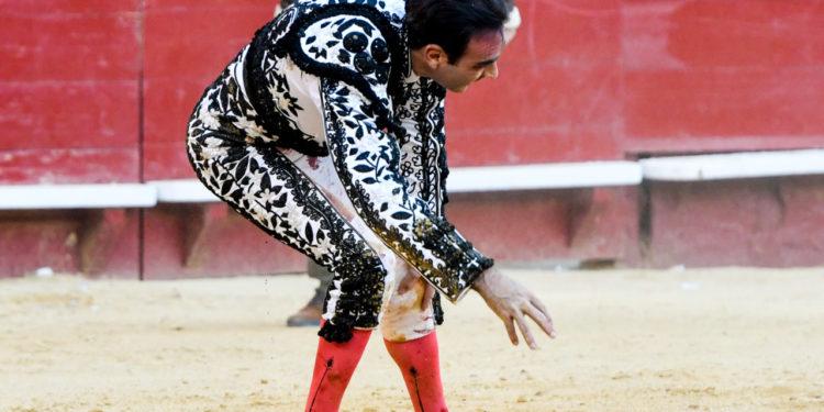 Enrique Ponce, Valencia, lesión de rodilla