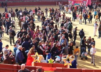 Los niños llenan de ilusión las plazas de Córdoba y Granada