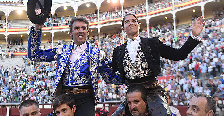 Pablo Hermoso y Lea Vicens, histórica salida en hombros en Madrid