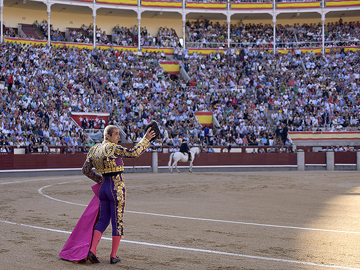Javier Castaño, ovación en Madrid