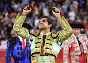 Triunfo de Joselito Adame en la plaza de toros de México