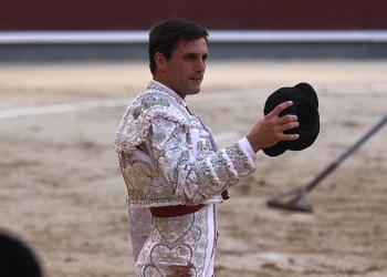 El novillero Montero, en la plaza de toros de Las Ventas
