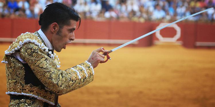 Alejandro Talavante, estocada en Sevilla