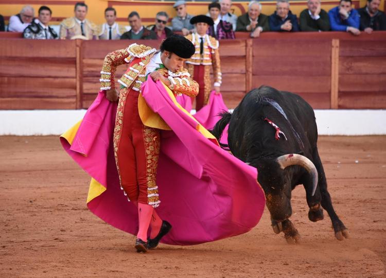 Ferrera, en estado de gracia, indulta a un gran toro de Garcigrande