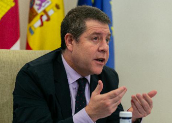 García-Page: 'Vamos a intentar organizar festejos para mantener nuestras señas de identidad'