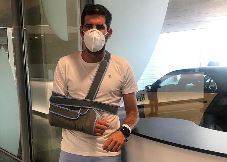 Serafín Marín intervenido de una luxación con fractura en el hombro derecho